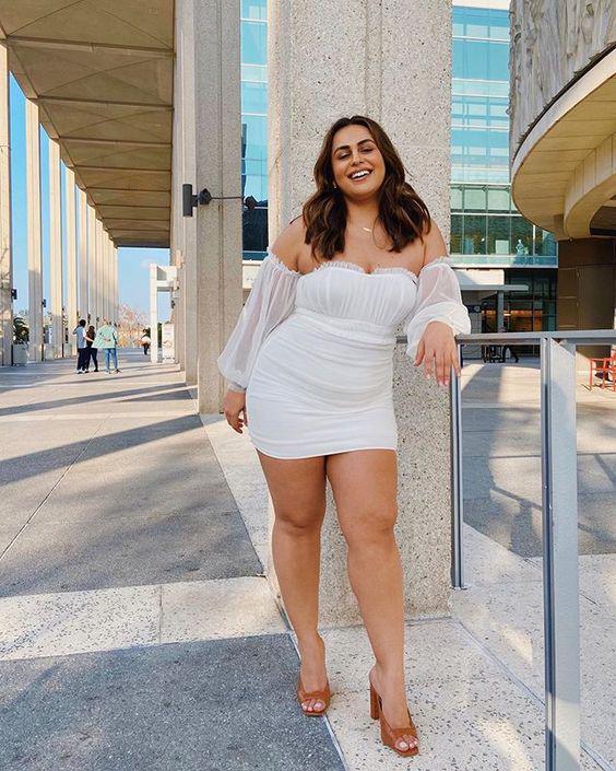 15 looks increíbles para chicas curvy - vestido con mangas