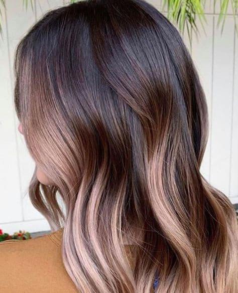 Cosas que debes considerar si quieres teñir tu cabello en casa - canas