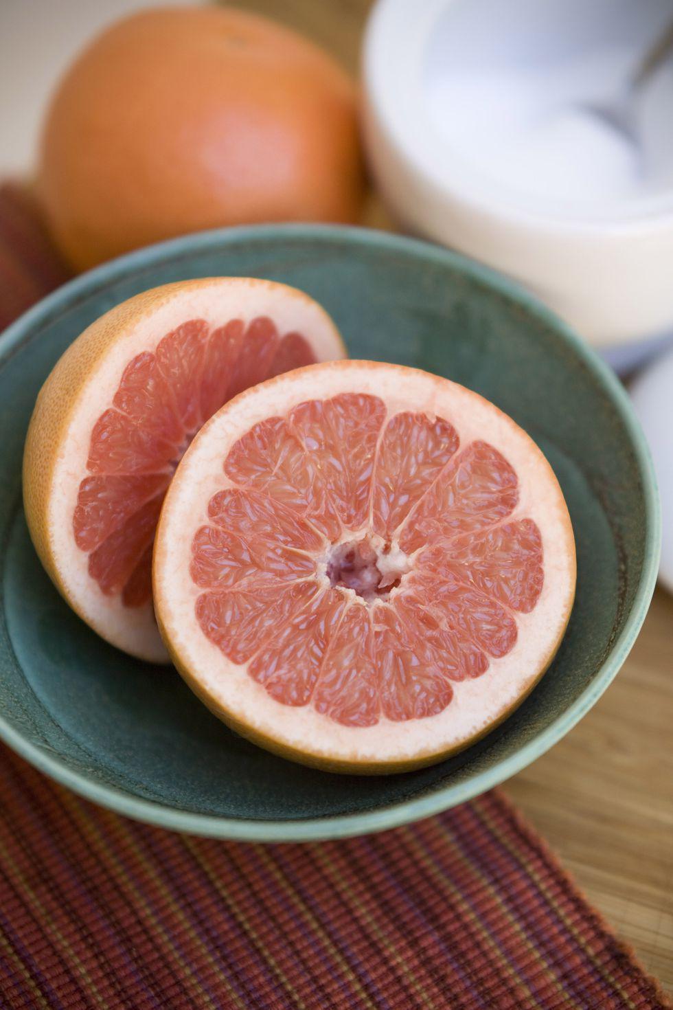 Alimentos que te ayudarán a bajar la pancita en poco tiempo - Toronja