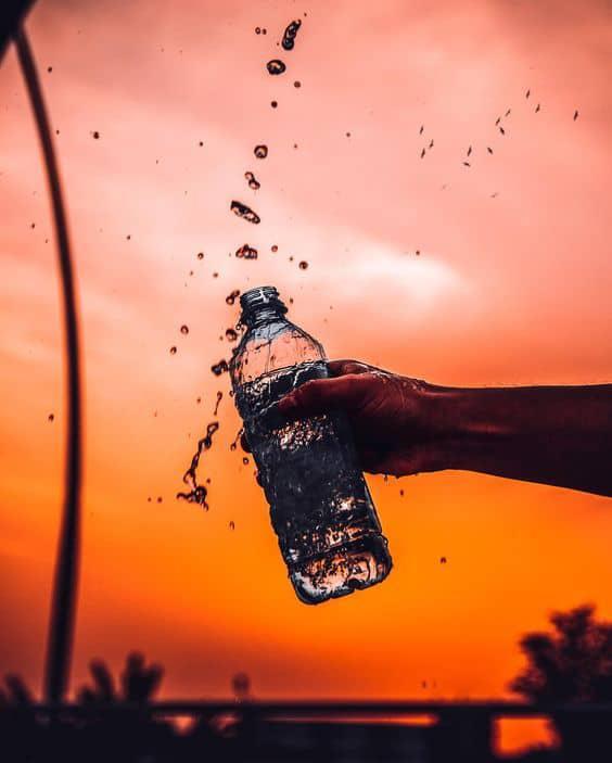 9 alimentos sanos que no debes consumir en exceso - Agua