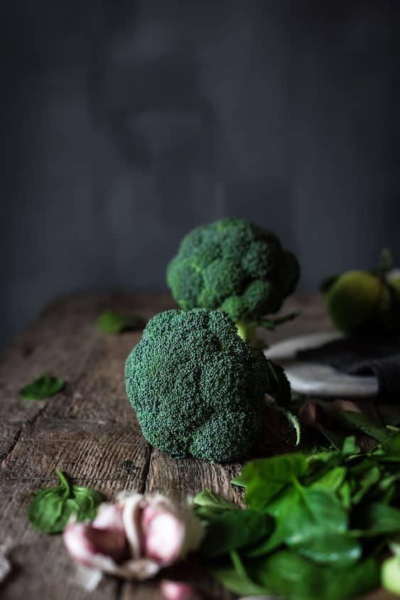 9 alimentos sanos que no debes consumir en exceso - Brócoli, col y coliflor