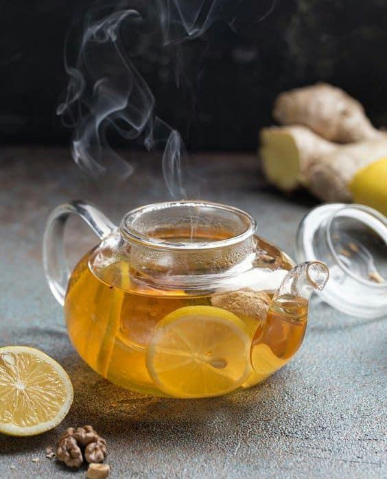 5 bebidas que te ayudarán a quemar grasa y subir tus defensas - Té de limón y jengibre