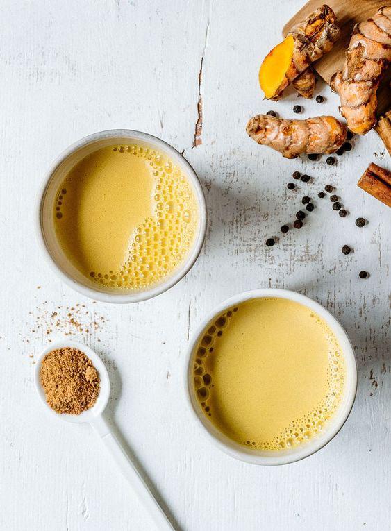 5 bebidas que te ayudarán a quemar grasa y subir tus defensas - Leche dorada