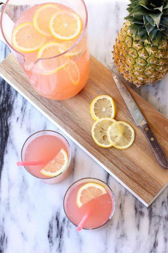 """Deliciosas recetas de bebidas Detox con limón - Limonada rosa o """"Pink Lemonade"""""""