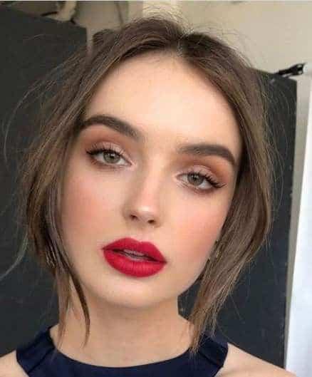 Errores que cometes al maquillar tus labios - Tratar de modificar su forma natural