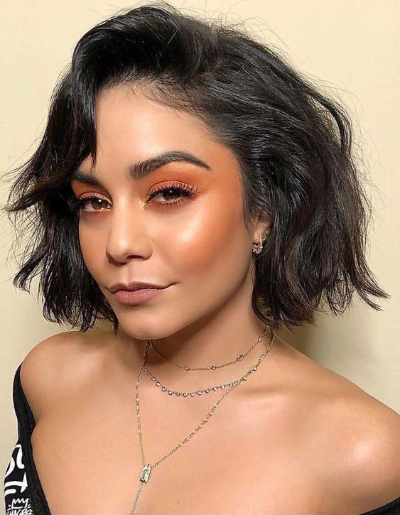 Tips de maquillaje para chicas morenas, cómo darle un glow a tu piel - Usa bronzer y no iluminador