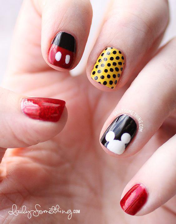 14 diseños de uñas de Mickey Mouse para conmemorar su aniversario - polka dots