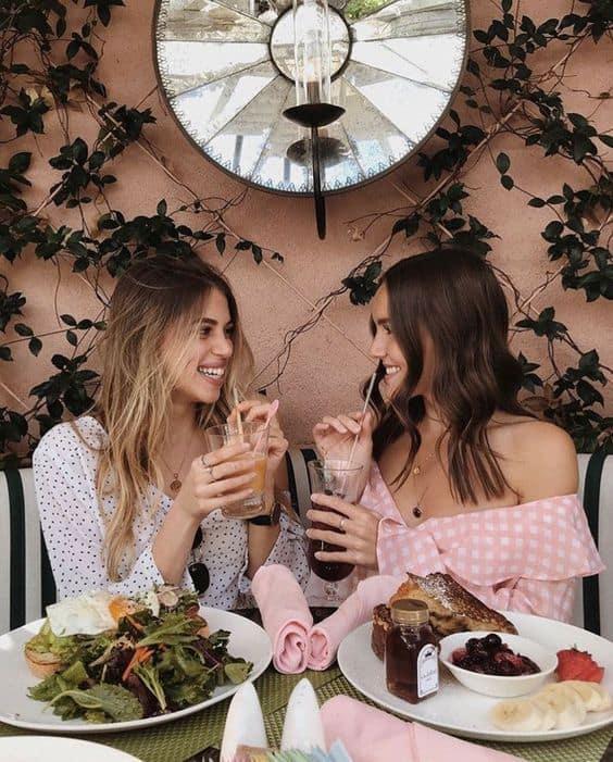 11 secretos de chicas delgadas que no hacen dieta - Platicar y comer