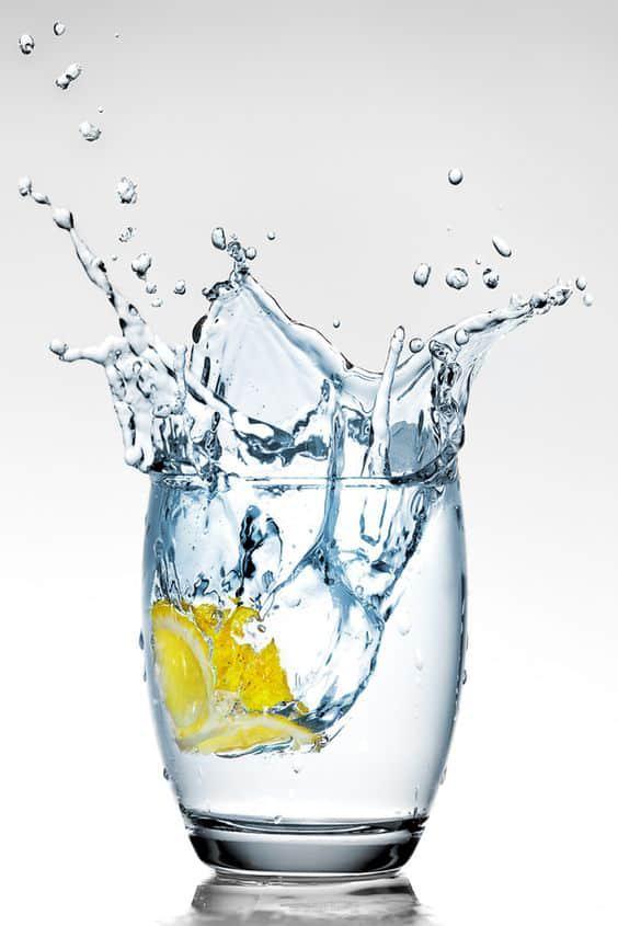 10 Tips para deshacerte de las lonjitas - Toma más agua