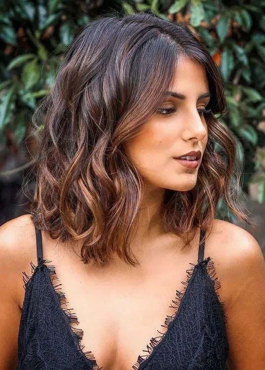 Trucos para que el balayage y las mechas duren más tiempo - No laves todos los días tu cabello
