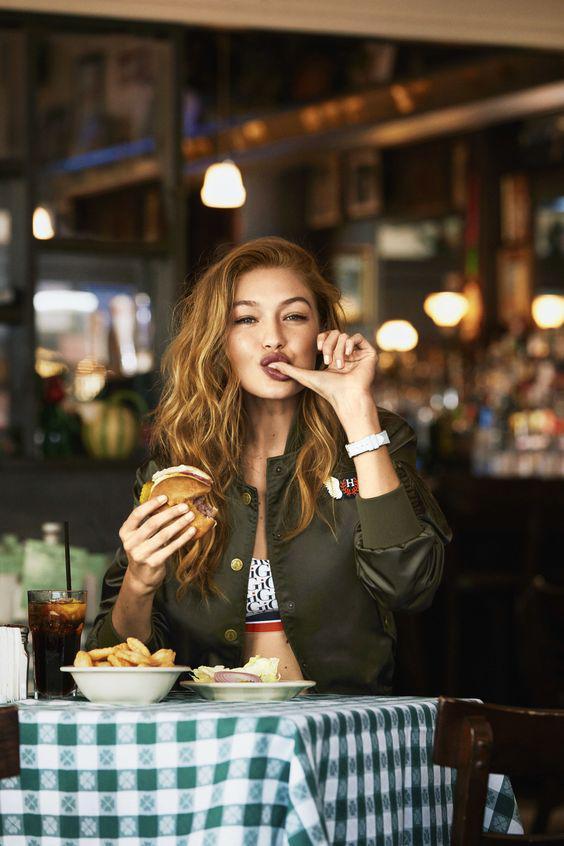 Cosas que te está queriendo decir tu cuerpo con los antojos - Una hamburguesa