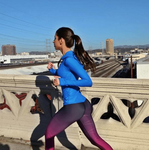 11 ejercicios que te harán lucir un booty de impacto - Correr