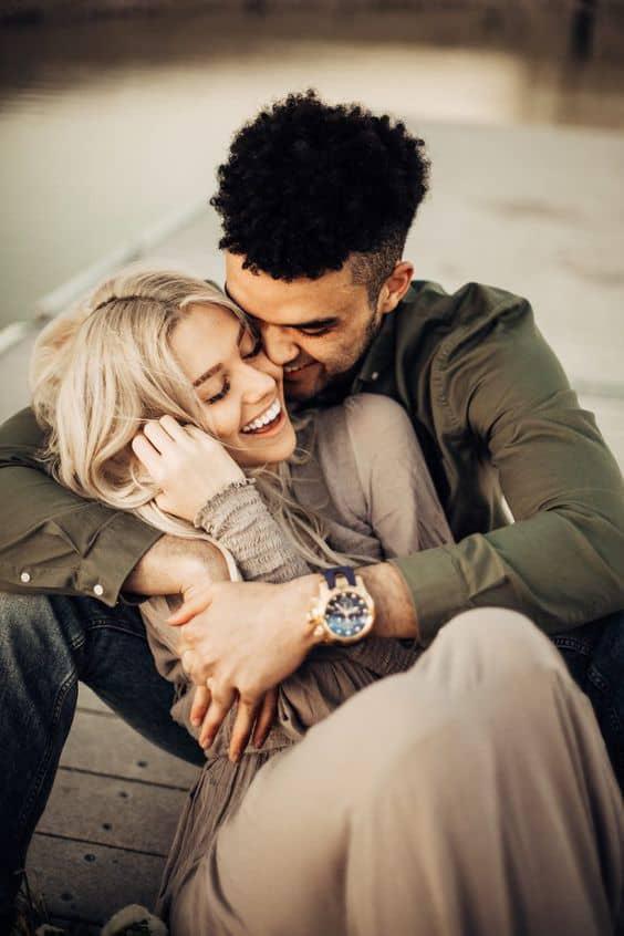 6 señales de que tu novio esta enamorado de alguien más - Vive pegado a su celular