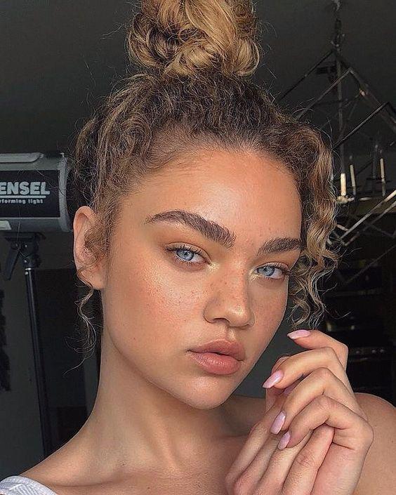 Tips para verte guapísima con poco maquillaje - Dile adiós a la base y hola a la CC cream