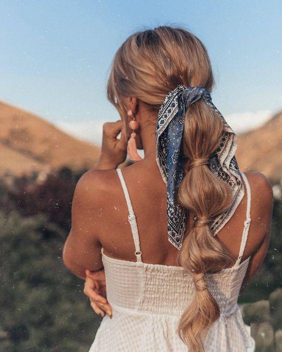5 peinados súper rápidos para ahorrar tiempo en la mañana - Bubble ponytail