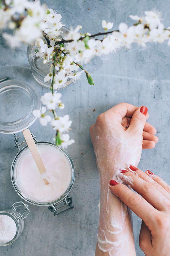 Remedios caseros para humectar las manos - Miel de abeja