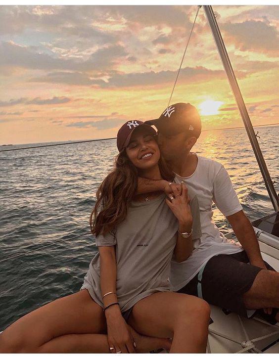 10 señales que indican que eres demasiado dependiente de tu novio - Tu personalidad ha cambiado mucho, incluso tus gustos