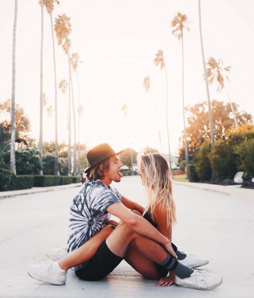 Tips para superar a ese galán que te encanta, pero que nunca fue tu novio - Deja de seguirlo en todas tus redes