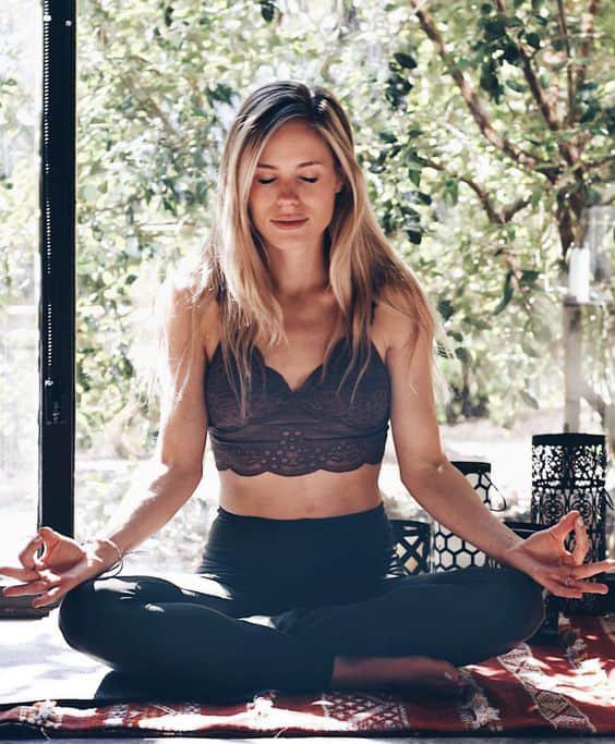 """7 hábitos que ayudan con la depresión estacional o """"Winter Blues"""". - Meditar"""
