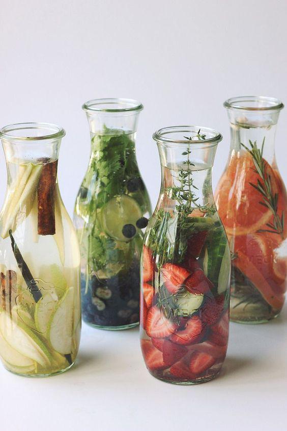 Alimentos que te ayudan a quitar la celulitis - Agua simple