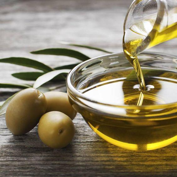 Consejos para disminuir las estrías en la piel - Aceite de oliva