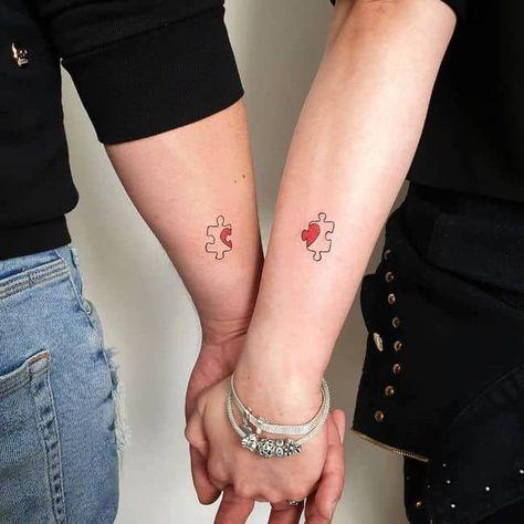 tatuajes pequeños pareja rompecabezas