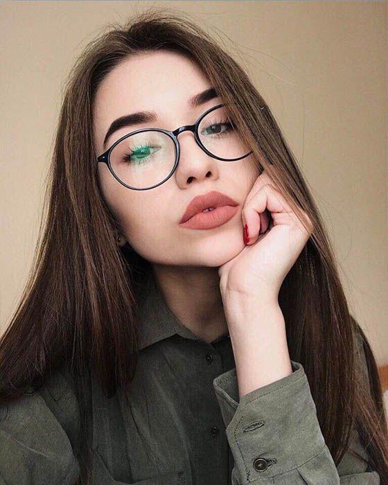 Tips de maquillaje para aquellas que usan lentes - Cejas impecables