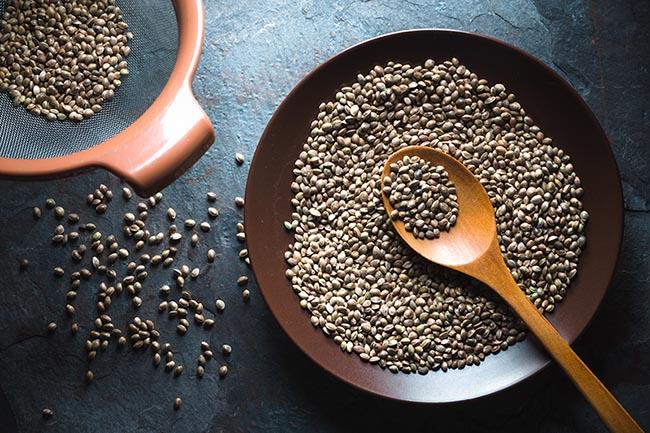 10 alimentos que te ayudarán a bajar la tensión arterial - Semillas de cáñamo
