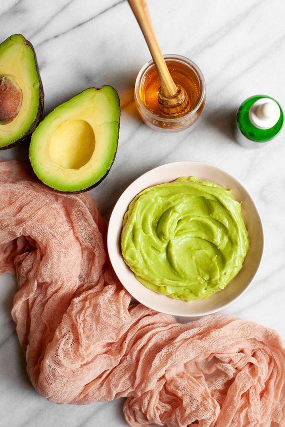 Aceites naturales para cuidar tu piel - Aceite de aguacate