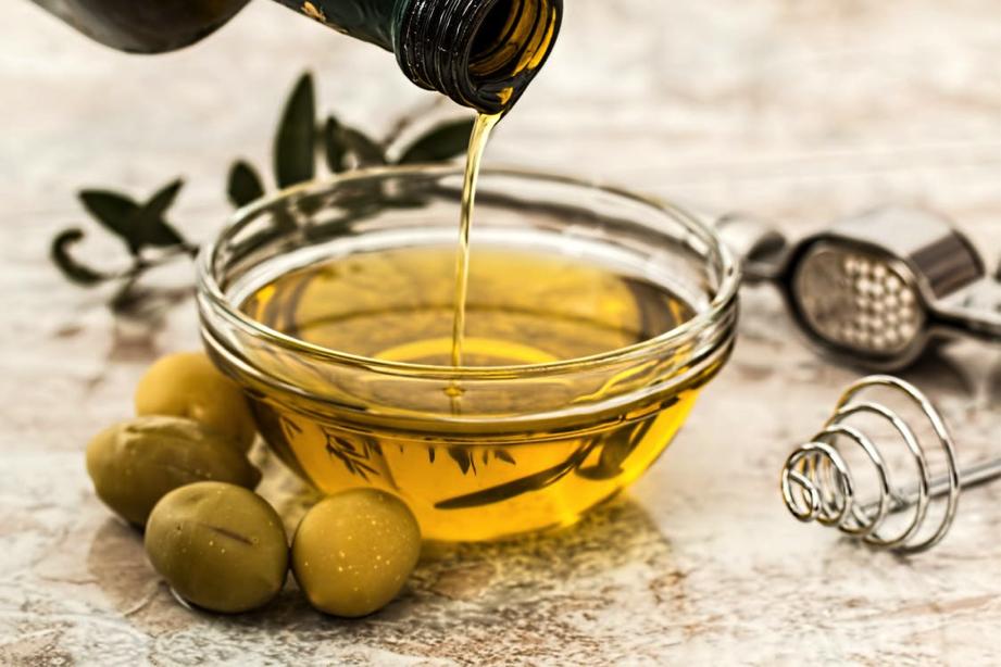 Aceites naturales para cuidar tu piel - Aceite de oliva