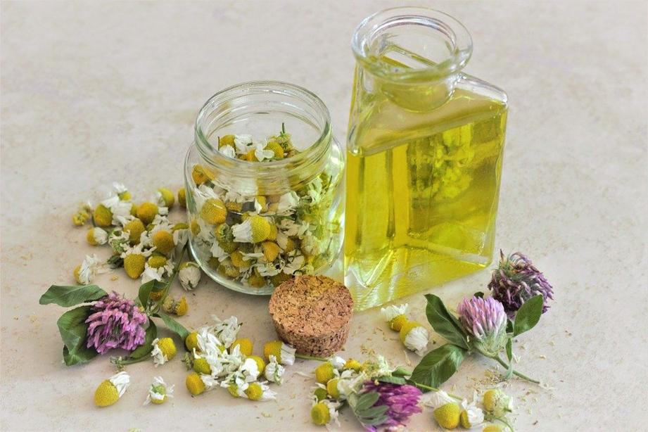Aceites naturales para cuidar tu piel - Aceite de jojoba