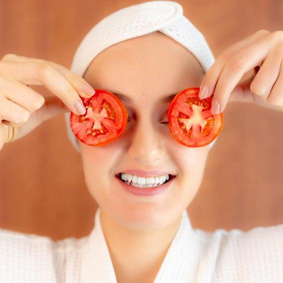 Los mejores remedios naturales para eliminar las ojeras - Tomate