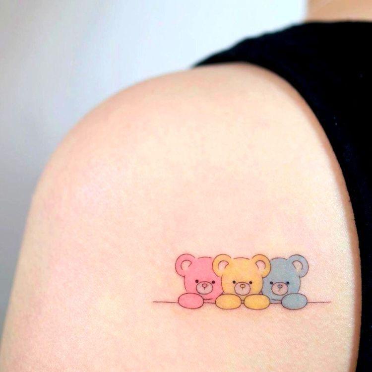 Ideas de tatuajes aesthetic para chicas - Con color