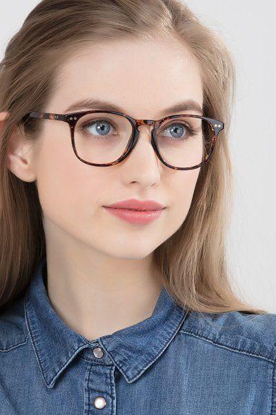 Luce mega linda en tus clases on line con estos maquillajes - Corrector el mejor amigo