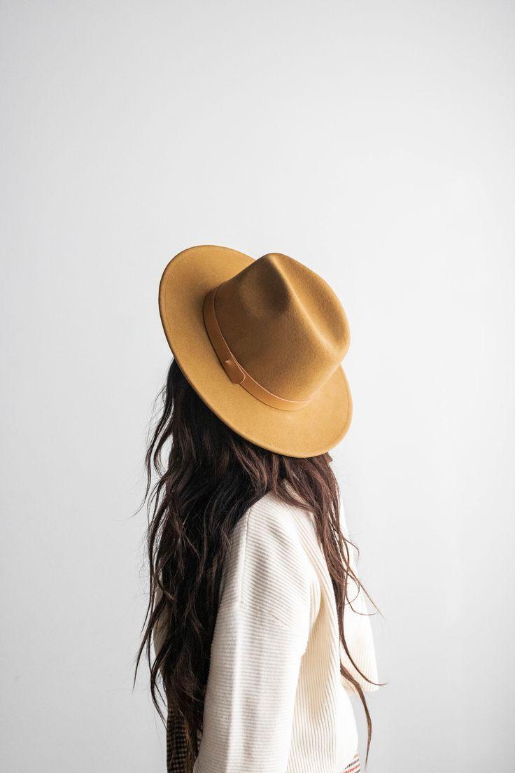 ideas de poses para fotos sin mostrar la cara - Sombreros