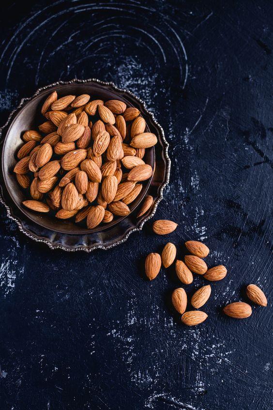 Alimentos contra el estrés y la ansiedad - Almendras