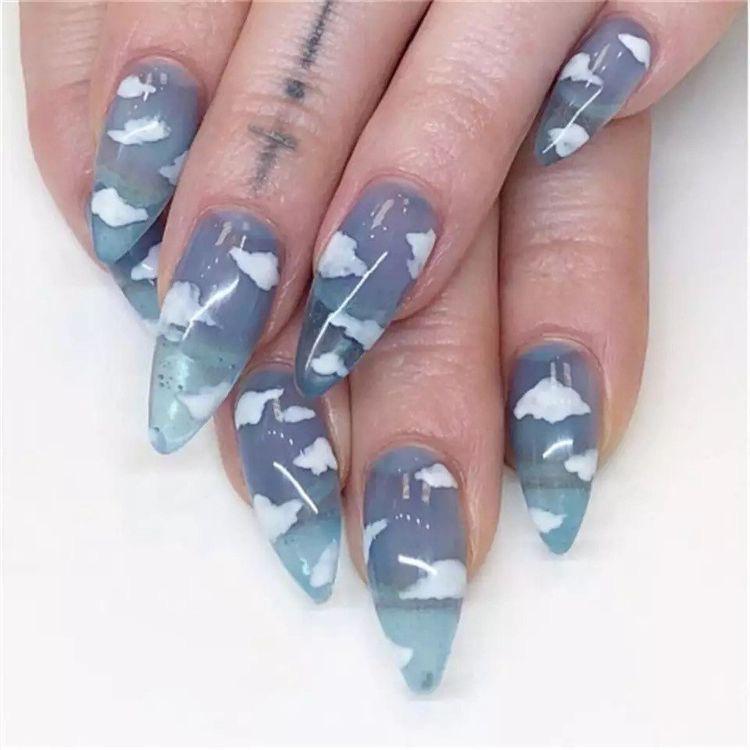 Diseños de uñas aesthetic que se te verán chulísimas - Nubes