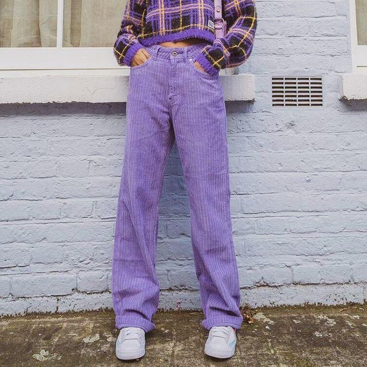 Ideas para looks color lavanda, el color del año - Pantalones