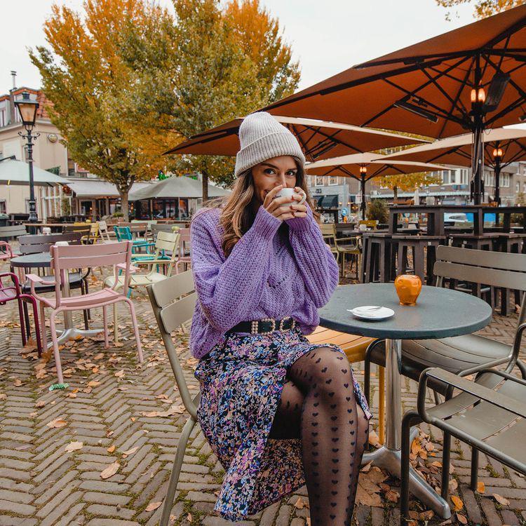 Ideas para looks color lavanda, el color del año - Suéteres