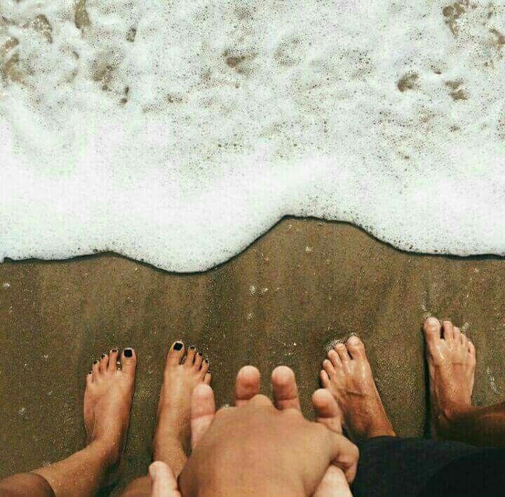 Ideas de fotos en la playa en pareja - Pies