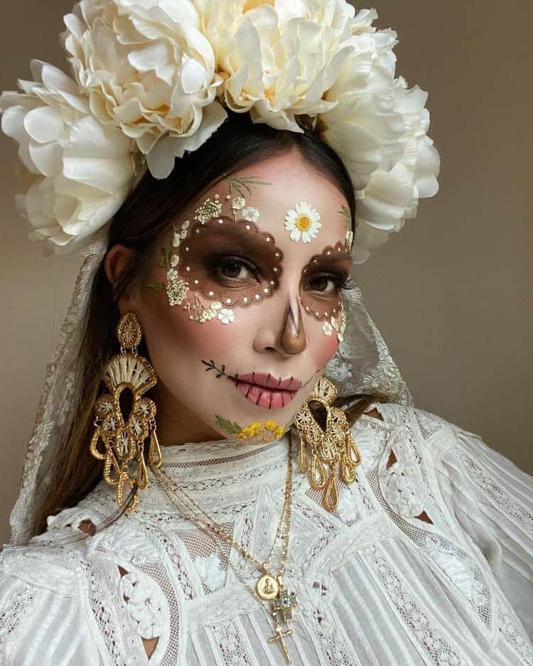 Ideas de maquillaje de Catrina - Rápidos y Sencillos - Catrina blanca