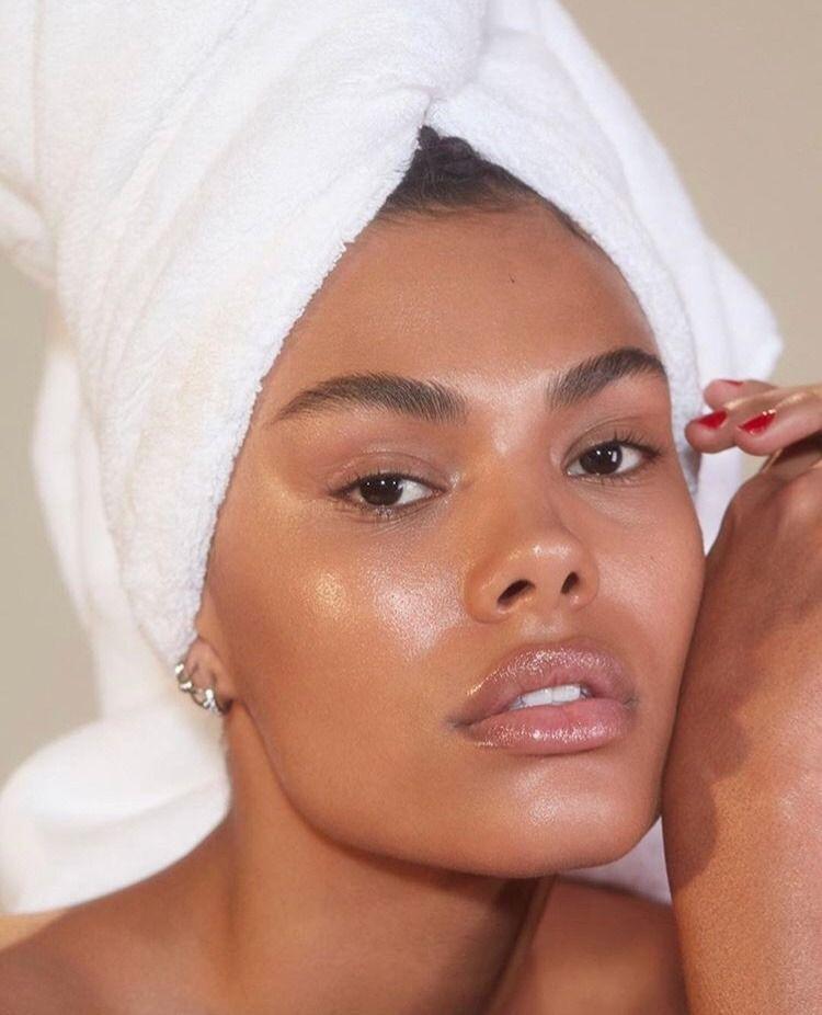 Usos y beneficios de la vaselina - Para piel seca