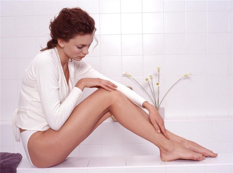 Usos y beneficios de la vaselina - Evitar irritación después de depilarte