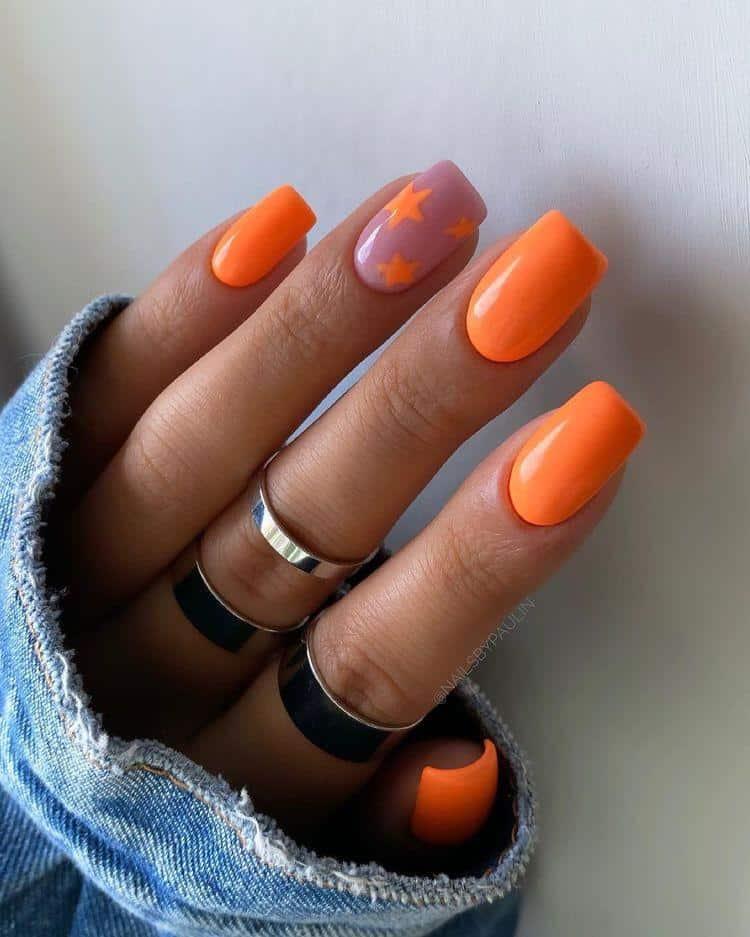 Diseños de uñas aesthetic para piel morena - Fosfo fosfo