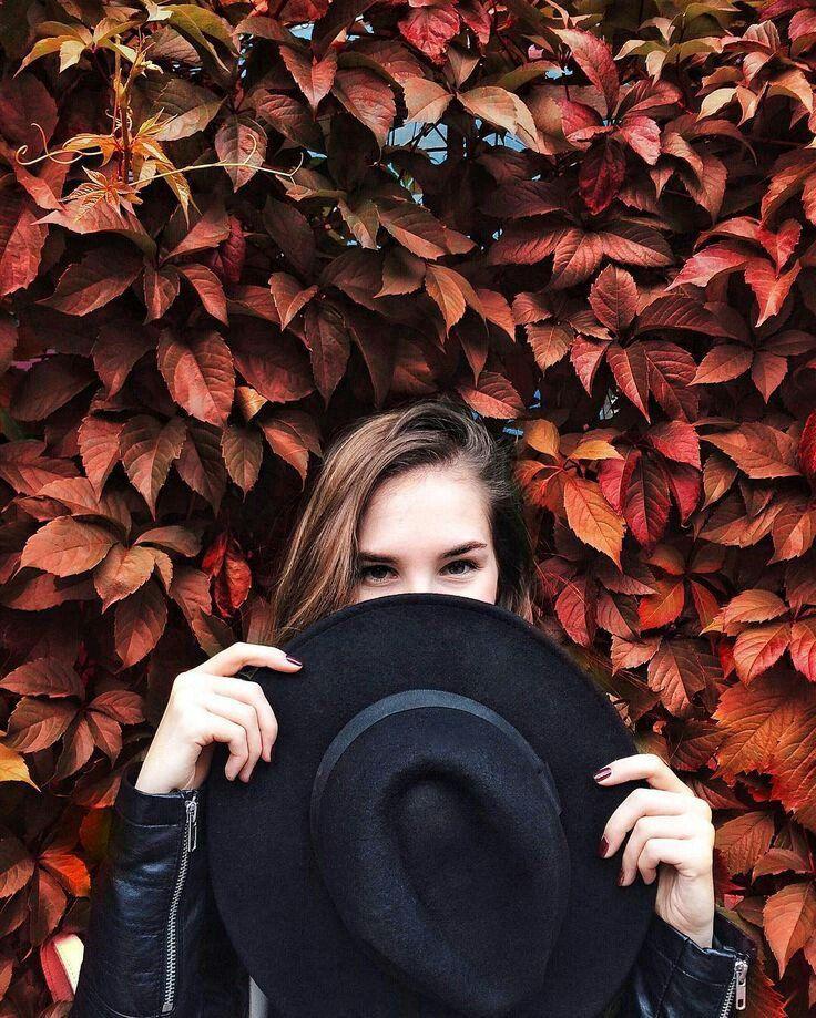 Poses de Instagram para chicas no fotogénicas - Sombreros