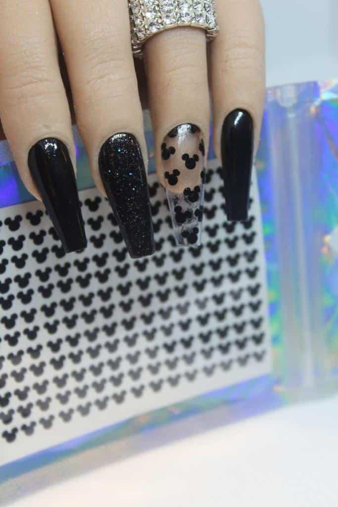 Diseños de uñas de Mickey Mouse - Cabecitas