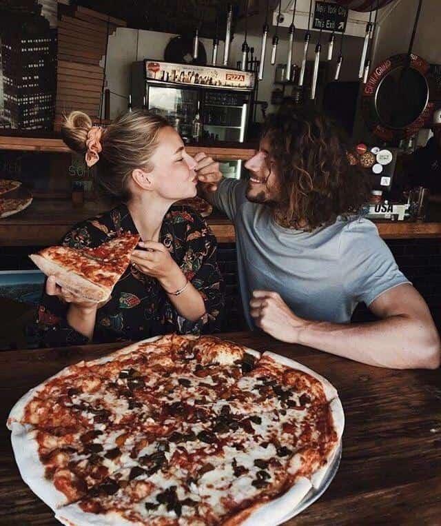 Fotos Tumblr en pareja que debes intentar - Comiendo