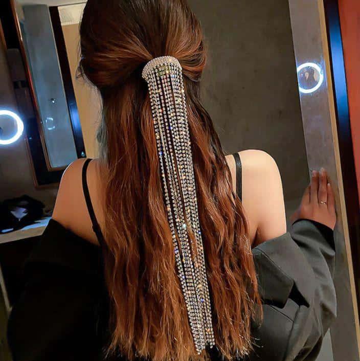 Peinados sencillos para chicas con cabello lacio - Brillos y perlas