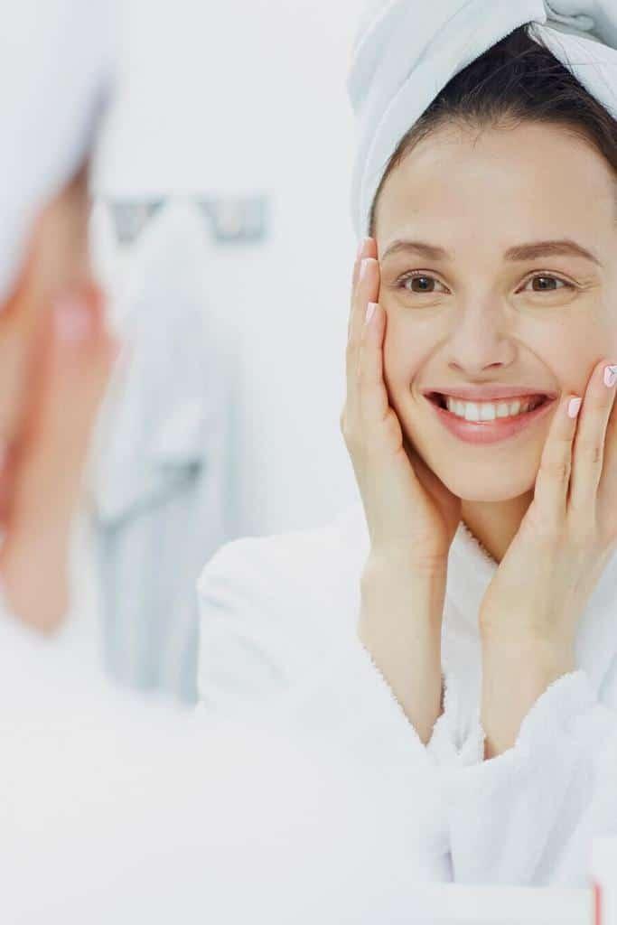 Usos que le puedes dar a tu agua micelar - Refrescar la piel