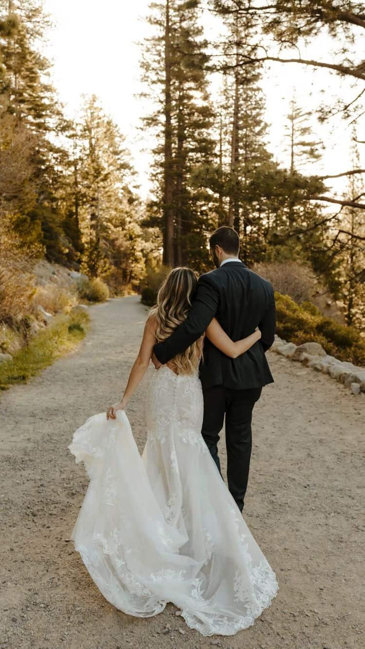 """Ideas para fotos que debes intentar en tu boda - Caminata """"Por siempre juntos"""""""